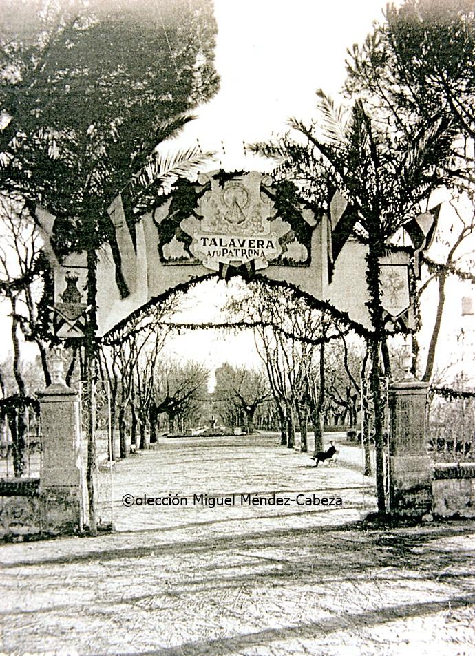 Tres culturas jardines del prado ii los arcos for Jardines del prado