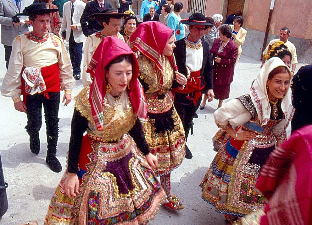trajes de prostitutas prostitutas en talavera de la reina